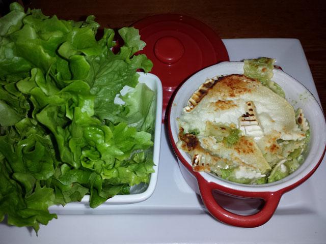 Ravioli and green salad